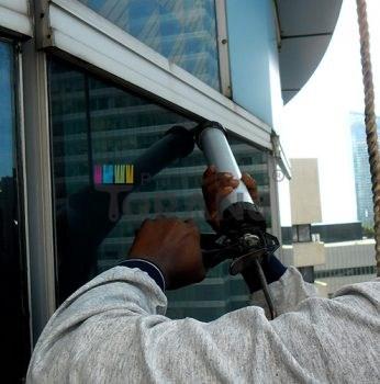 شماتیکی از نمای ساختمان حاوی پوشش عایق رطوبتی